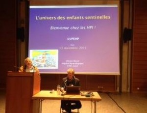 Enfants HP : un centre de dépistage précoce sollicité pour le Valais (Rhône FM, novembre 2013)