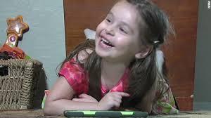 Une Américaine de trois ans devient membre du Mensa (Euronews, février 2014)